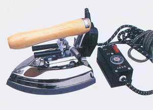 电蒸汽熨斗