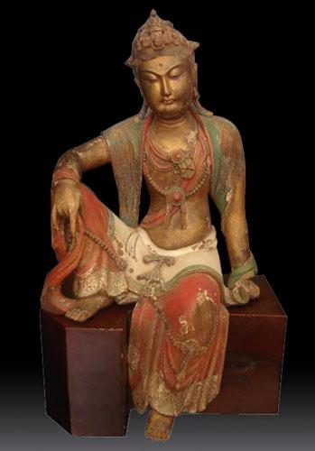 木彫りの像-着席観音画
