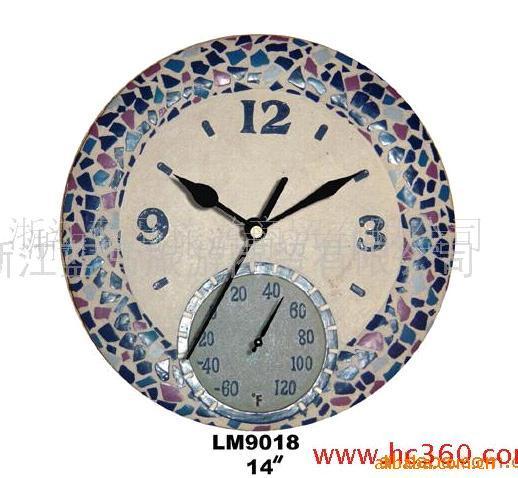 樹脂工芸品時計と寒暖計組み合わせ
