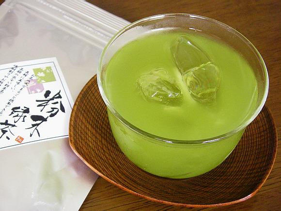 水/饮料 日本茶 绿茶  产品介绍 这一袋绿茶粉大约可以泡制100升的茶